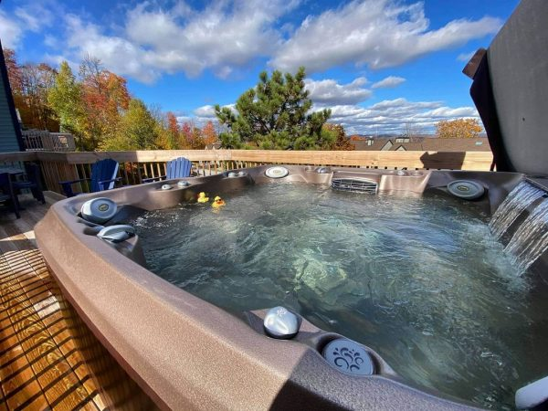 Jacuzzi hot tub with cover