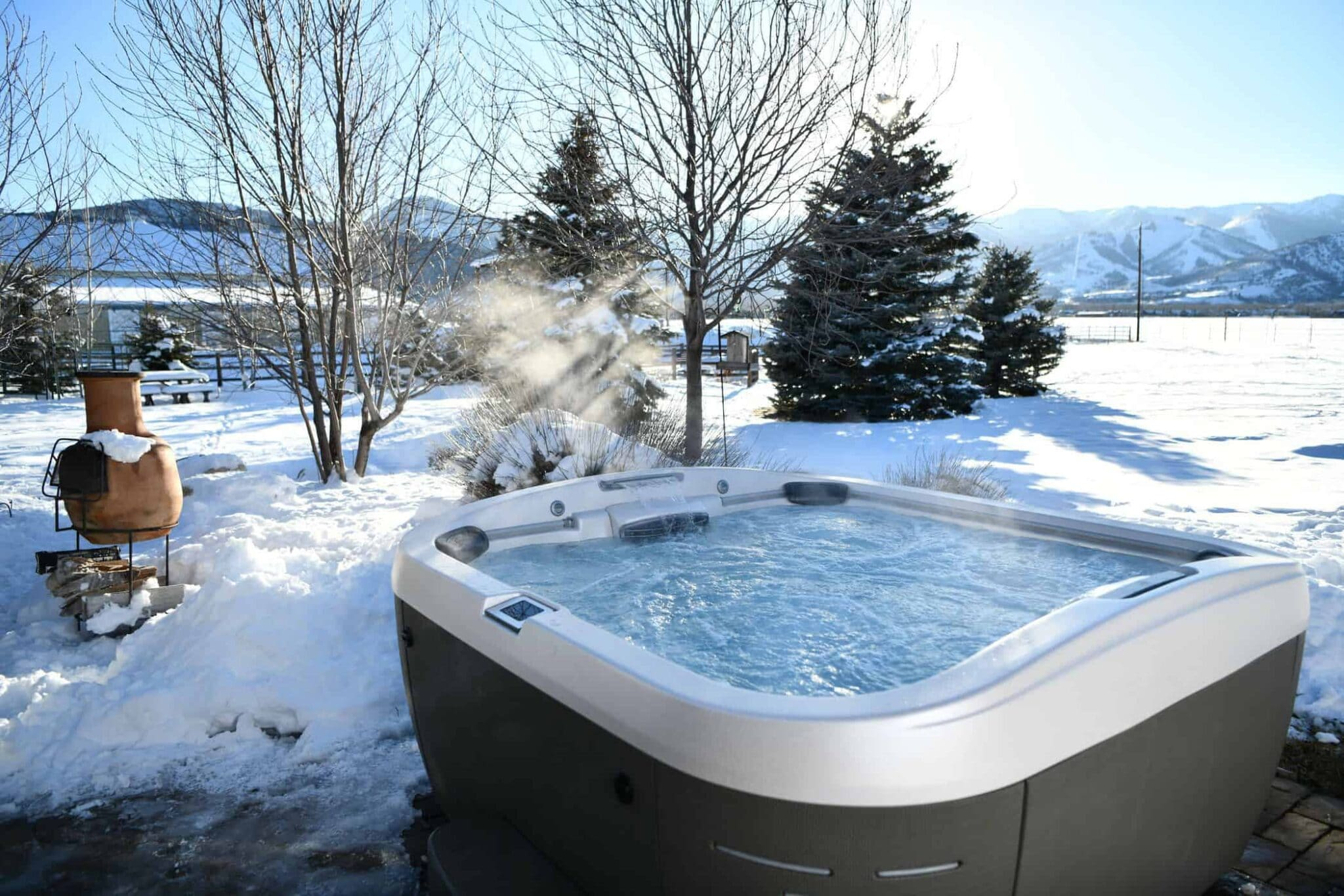 J-500 series hot tub in the winter